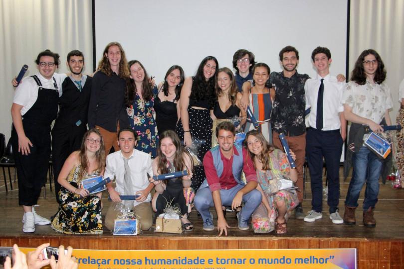 COMUNIDADE Formatura da 3ª série do Ensino Médio no Eliezer Max