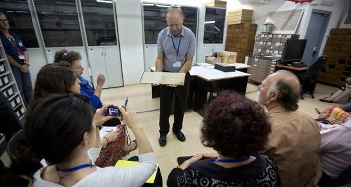 Yad-Vashem-ajuda-sobreviventes-do-Holocausto-a-desvendar-suas-historias