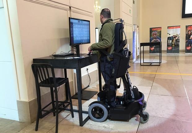 Startup israelense mostra como é a cadeira de rodas do futuro