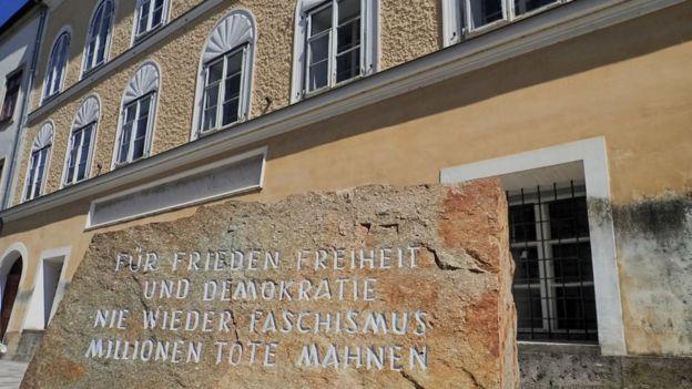 Casa onde nasceu Hitler na Áustria vai abrigar delegacia