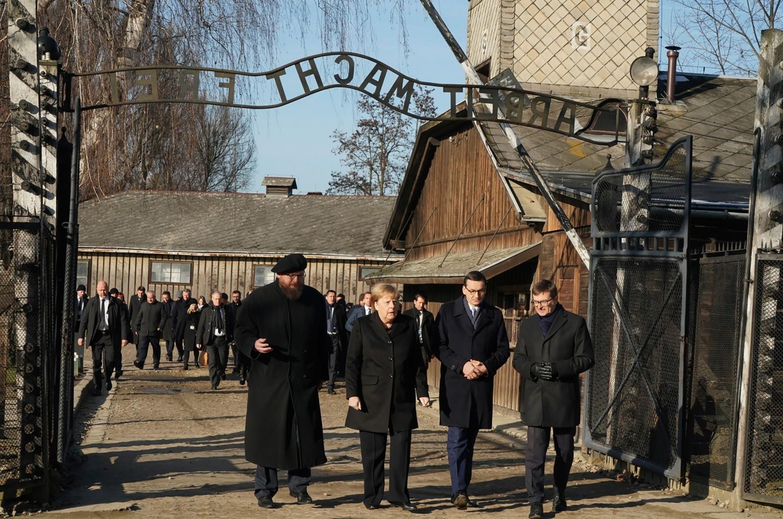 Chanceler alemã, Angela Merkel visita Auschwitz