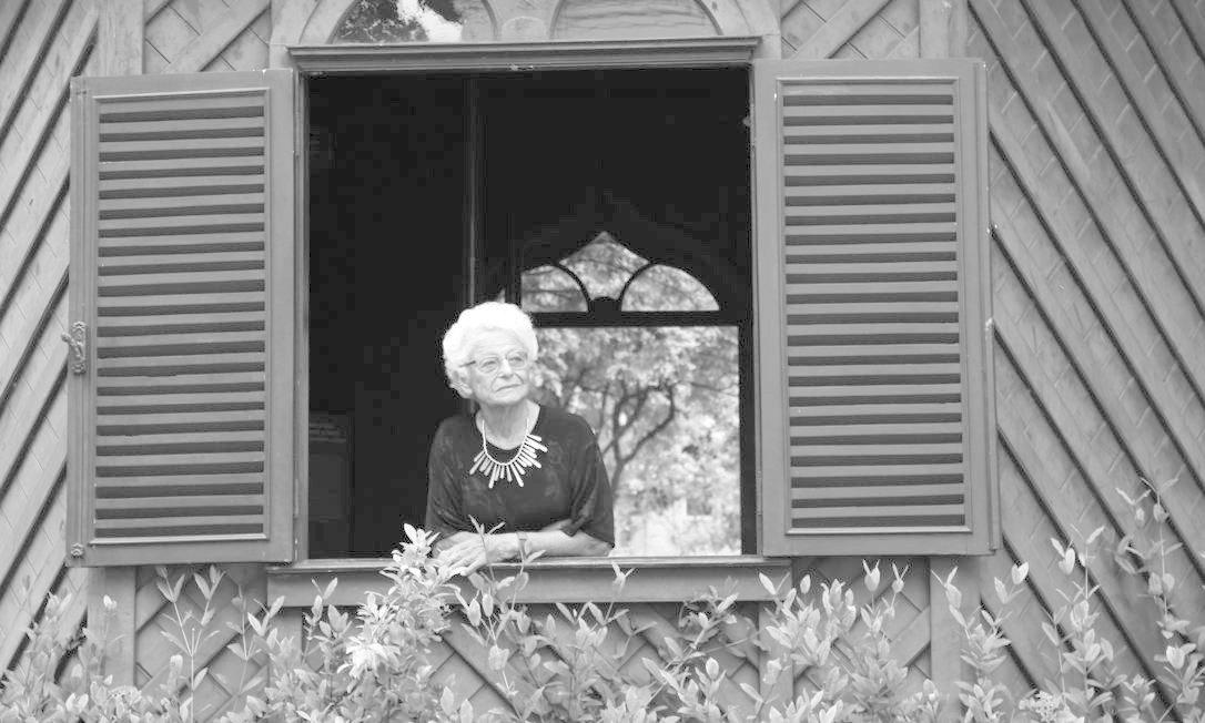 Em livro, Nora Rónai relata a reconstrução da vida depois de ter fugido do nazismo