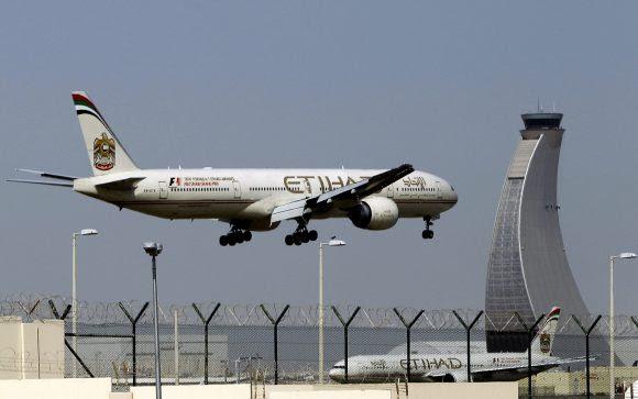 Etihad Airways faz primeiro voo comercial entre Israel e Emirados Árabes Unidos