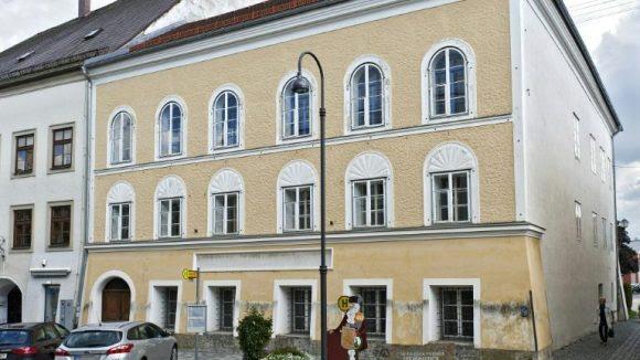 Áustria apresenta projeto para transformar a casa onde Hitler nasceu em delegacia